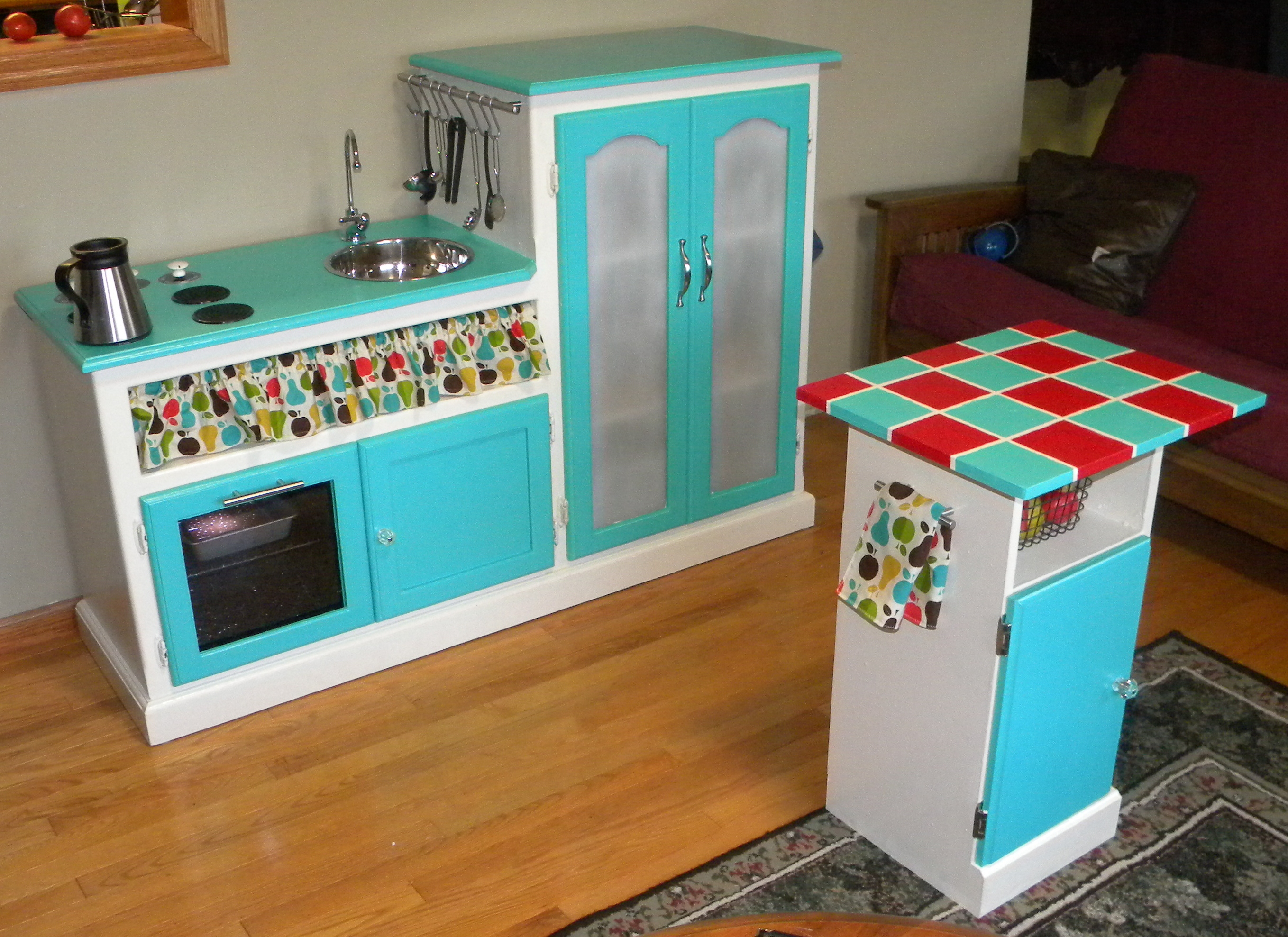 Vintage Play Kitchen | Educare Homeschool